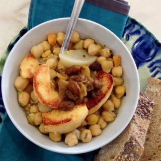 Chickpeas with quinces stew